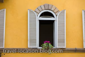 photo of Piazza San Frediano Window Lucca Italy